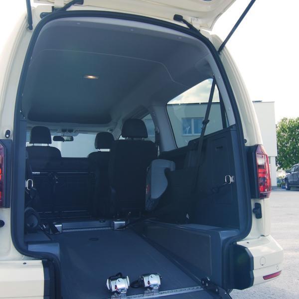 Taxi mit Rollstuhltransport